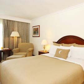 Hotel Fiesta Inn Nuevo laredo dos noches