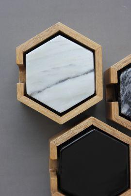 Set de 8 Coasters de Mármol negro c/ base de madera